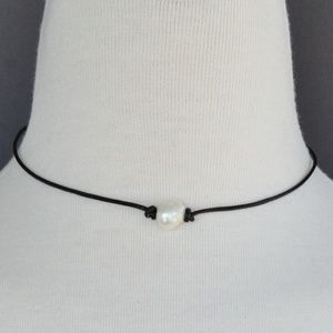 Jewelry - Faux Pearl Choker Necklace faux leather cord